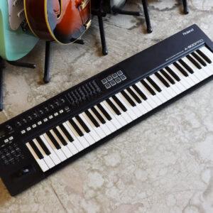 Roland A-800